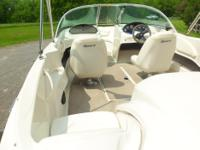 SeaRay Bowrider - inboard/outboard, 135hp Merc