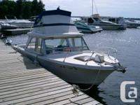 1973 Seawind fiberglass 24ft. boat with cuddy cabin,