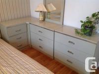 Collection de chambre complet: base et tête de lit avec