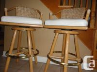 Set of 2 high-end heavy duty Swivel bar stools for