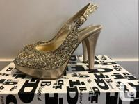 Only worn a few times. Very good for parties! Size 5,