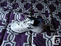 New balance sneakers for sale. sz 8. bought new from