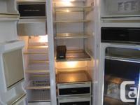 Inglis Model LS-25900, 9.5 cuft freezer and 15.6cuft