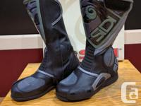 Italian made high quality leather tall riding boots: