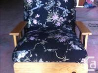 Lovely floral pattern, very comfortable, never used,