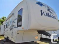2008 Woodland Stream Wildcat 30LSBS ~ Back 'L' sofa,
