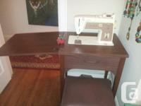 Vintage Singer Touch & Sew Deluxe Sewing Machine -