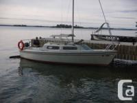 21 Foot Sirius sailboat 1980. Retracting keel, rests 4.