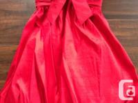 Selling a beautiful red Jovani dress!!! The dress is a