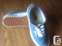 Blue size 13 Vans tie up running shoes in excellent,