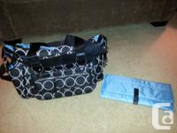 EUC Skip Hop diaper bag with removable purse.