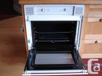"""SMEG built-in oven. Will fit 22""""W x 23""""H x 23"""" deep"""