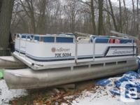1995 Smokercraft Pontoon Boat 40 h/p FORCE outboard