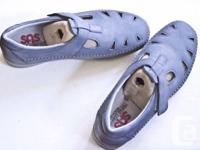 SAS convenience shoe, fantastic for strolling. Colour