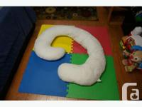 Have a used snoogle total body maternity pillow for