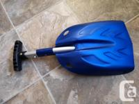 Car shovel with telescopic handle. Brand new. About 11