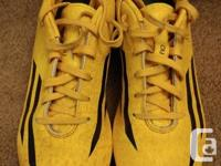 Boys Adidas soccer cleats size 5 1/2. Suitable for both