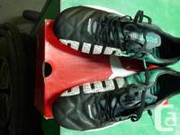Puma evoSPEED 1.3 leather cleats, as new. Size 9. I