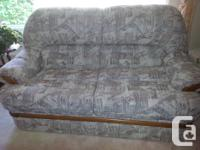 Palliser sofa and matching love seat. Both in excellent