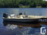 17 Ft Boston Whaler Montauk Center Console with 1989