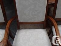 Quality solid oak seats 8 comfortably with leaf in, 6