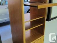 Quality solid OAK stereo component/media stand/cabinet