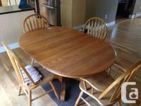 Table goes from round to large oval with insert and