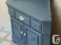 very pretty corner sideboard in excellent condition,