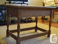 Solid wood end-table/coffee-table with drawer, in great