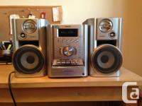 Sony CMT-HP7 Hi-Fi stereo for sale. Silver finish. In