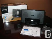 Sony Speaker Dock/Clock Radio iPod & iPhone Like New !