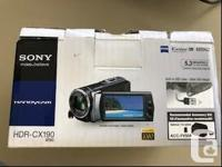 HDR-CX190 5.3 megapixels package open but never used
