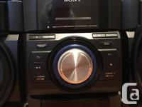 Model MHC-EC909iP Powerful and great sounding 250-watt
