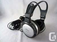 Product Features Sony MDR-XD100 Black & Silver Color