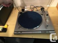 I'm selling this Sony Stereo Turn Table Ps-T22. It's an