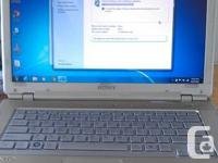 Sony Vaio VGN-CR490. 14' display, Intel Core 2 Duo 2.4