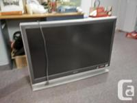 Sony Wega 43 inch - 15 pounds LCD Project TV. New bulb