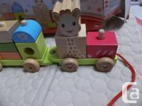 The Janod Sophie la girafe Train, wooden, allow to