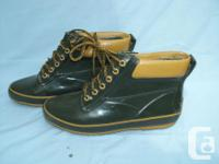 Never worn - SPORTO / Rubber Boots size 9, selling the
