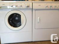 Kenmore set washer and dryer like new stack it or side