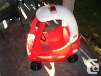 Step 2 Fire truck in good condition. Wheels and