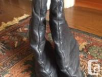 Size 7 chant boots Good condition Man made sole and