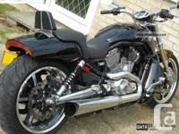 Stock Dual Exhaust off a Vrod Muscle with Sensors .,.