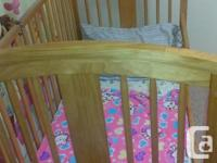 StorkCraft 4 in 1 crib/ toddler bed/Day bed/single bed