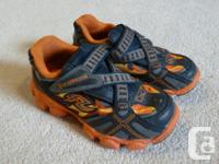 Stride Rite toddler shoes in excellent condition. Size