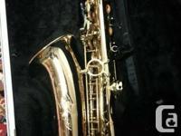 Saxophone set for sale includes: - Saxophone Case -