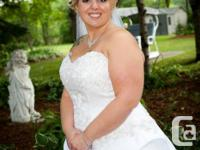 I got married August 2nd 2014. Selling my gorgeous