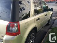 Make Land Rover Model LR2 Year 2005 Colour Gold Bronze
