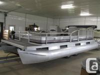 SUN CRUISER FISHING MODEL 20' PONTOON BOAT NO MOTOR ADD