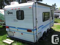 super LIGHT GITAN 1990 19 Ft TANDEM travel trailer